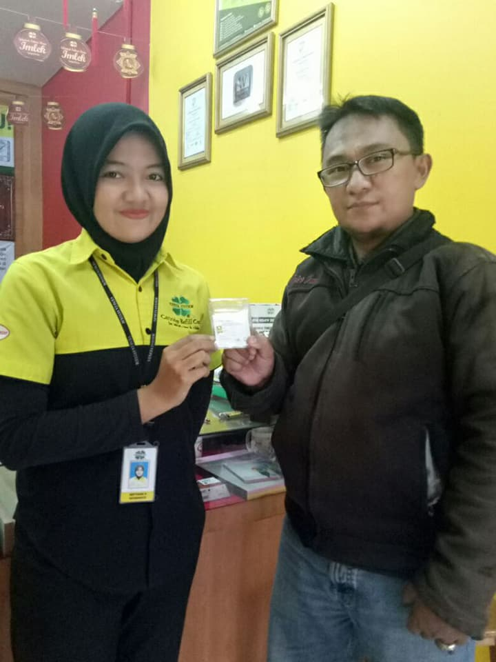 Veneta Indonesia Gorefill Gogreen Penyerahan Hadiah Undian Emas